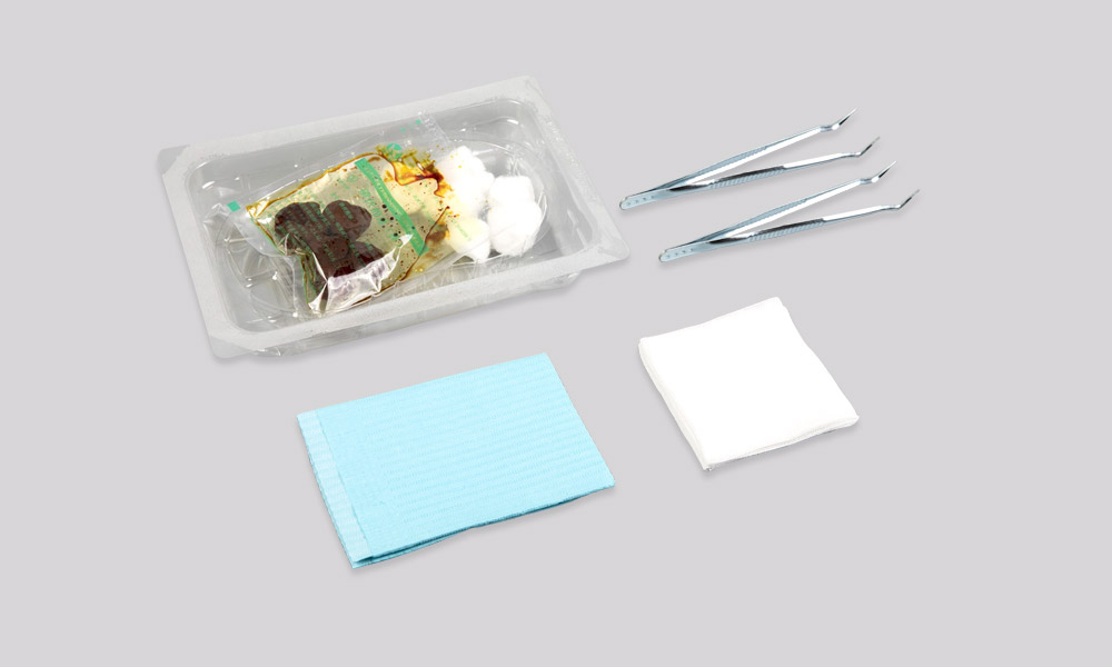 Disposable dressing change kit